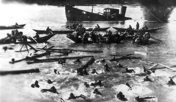 Βυθισμένο σοβιετικό πλοίο στο Βόλγα