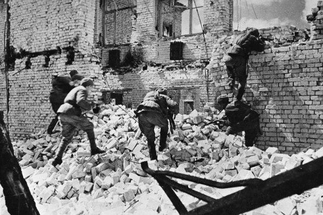Οδομαχίες στα ερείπια